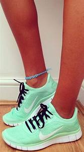 Monday Inspiration: Sporty Chic | Fashion women, Running ...