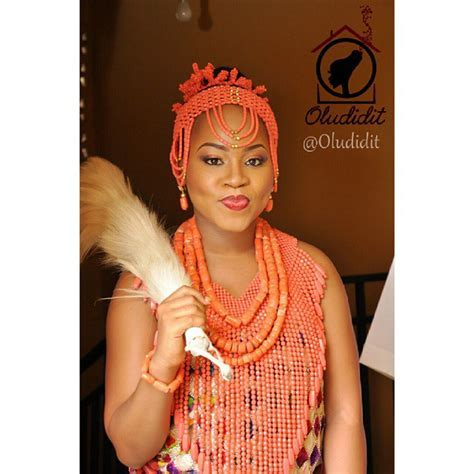 Fashion Gallery: lovely beads for traditional wedding