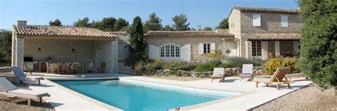 maison 3 chambres a vendre piscine privée superbe vue sur le luberon à goult