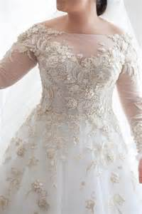 sleeve plus size wedding dress best 25 plus size wedding ideas on plus size wedding gowns plus size brides and