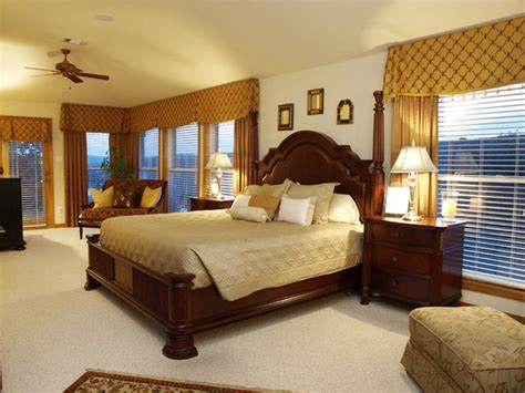 master bedroom ideas with wooden traditional furniture set