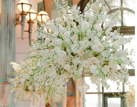 Get Floral Decor At The Lowest Price