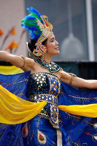 indonesia tradisonal dance images  pinterest
