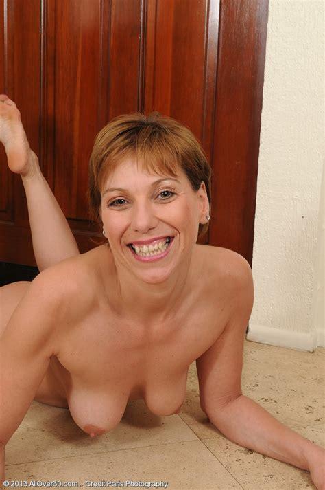 Brandi Minx Get Naked And Caress Her Clit MILF Fox