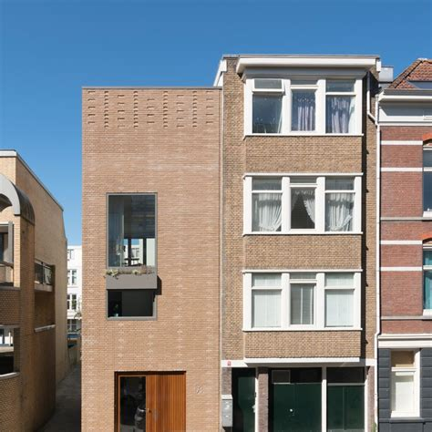 Fifteen tonnes of rubble used to build Rotterdam house by