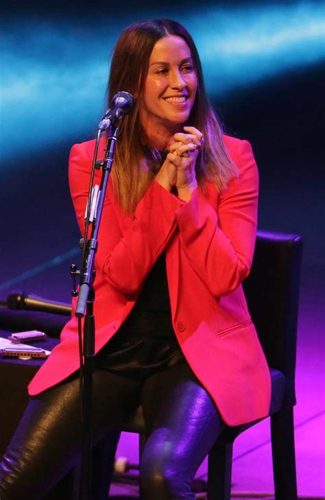 Alanis Morissette unrecognisable in new photos | Geelong ...