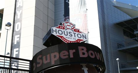 Super Bowl Li An Early Look At The Shootout In Houston