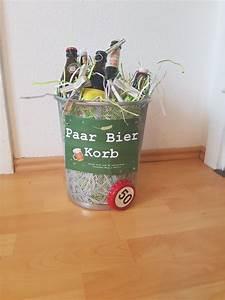 Kleine Geschenke Verpacken : paar bier korb geschenk bier geburtstag m nner geburtstag pinterest ~ Orissabook.com Haus und Dekorationen