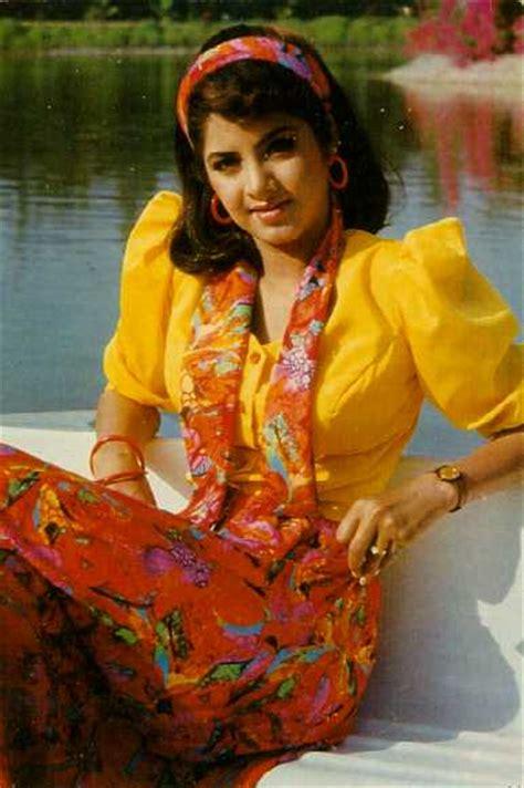 Divya Bharti Hottest Wallpaper