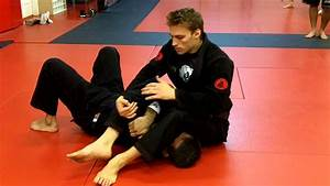 Jiu Jitsu Techniques - Armbar / Omoplata transition With ...