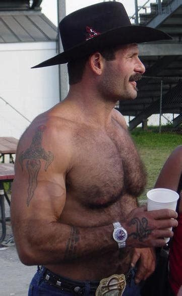 hairy muscle daddy single daddies