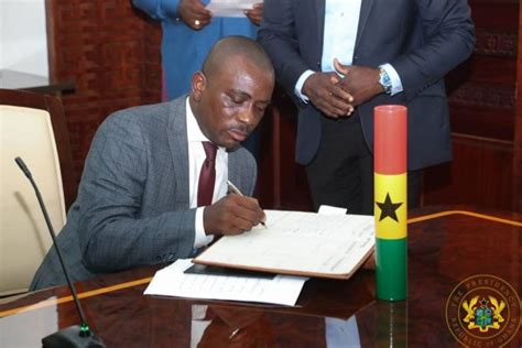 PHOTOS AkufoAddo swears in Osei Nyarko as Dep Agric