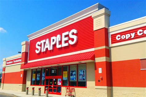 Staples Embracing New Facebook Messenger Features – Mobile ...