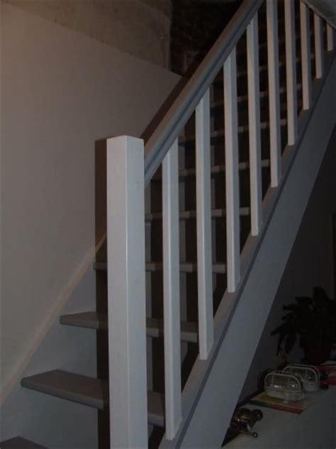 escalier peint gris blanc notre maison