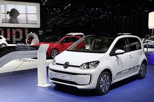 Front Bumper Lights 2017 Volkswagen E Up Has Minor Updates And Price Decrease