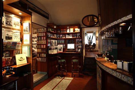 Libreria Caffetteria by Caff 232 Letterario Edizioni Intra Moenia