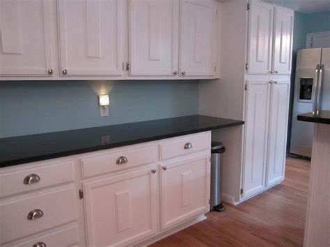wall color is behr primer paint in clear pond eggshell