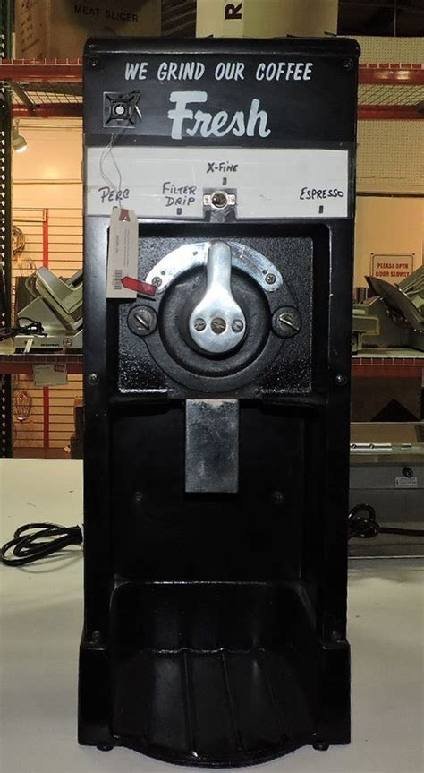 Discover the best burr coffee grinders in our coffee grinder reviews, comparisons, and buyer's guide. Grindmaster 490 O.F. Commercial Old Fashion Coffee Grinder #Grindmaster #Grinder | Coffee ...