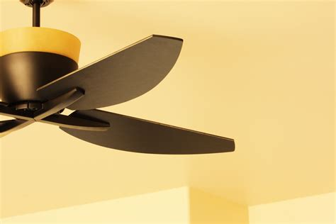 Ceiling Fan Wobbles In One Direction by Ceiling Fan Blade Balancing Kits To Reduce Wobble