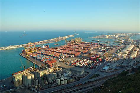 le port de barcelone la clau nouveau record des exportations catalanes en septembre economie