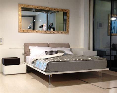 comodini semeraro specchio con decori su misura in legno complementi a