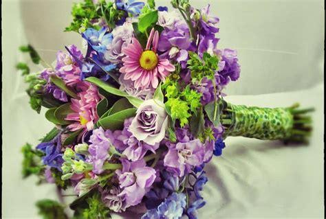 rustic wildflower arrangements