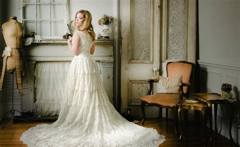 13 Tips For Buying A Vintage Wedding Gown {wedding
