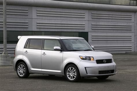 top  cheapest vehicles  insure  teens autoguide