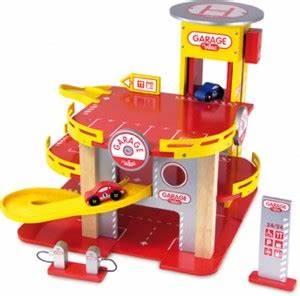 Garage Qui Reprend Les Voiture : red couvrez les circuits de petites voitures l 39 int r t et le plaisir que procurent ces jouets ~ Medecine-chirurgie-esthetiques.com Avis de Voitures