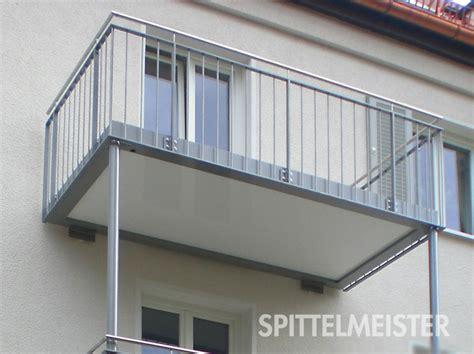 balkongelaender aluminium pulverbeschichtung