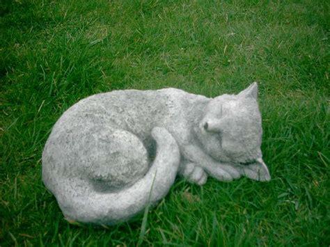 beeld kat tuin tuinbeelden slapende poes nieuw