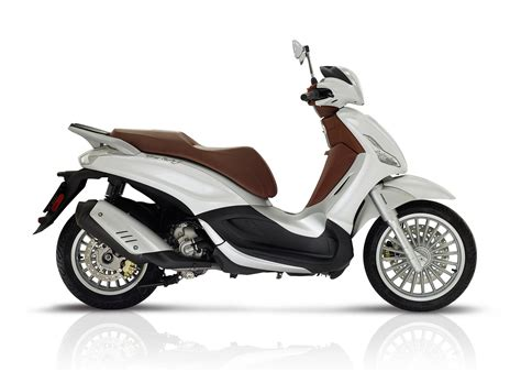 Review Piaggio Beverly by 2017 Piaggio Beverly 300 Review