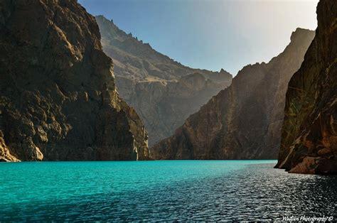 attabad lake karakoram mountains pakistan lake