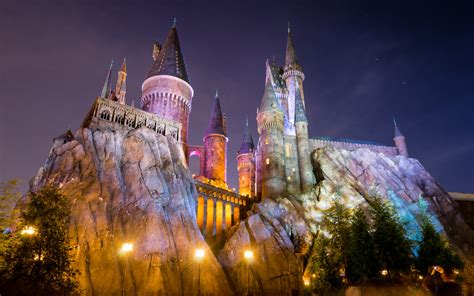wizarding world  harry potter hogwarts castle
