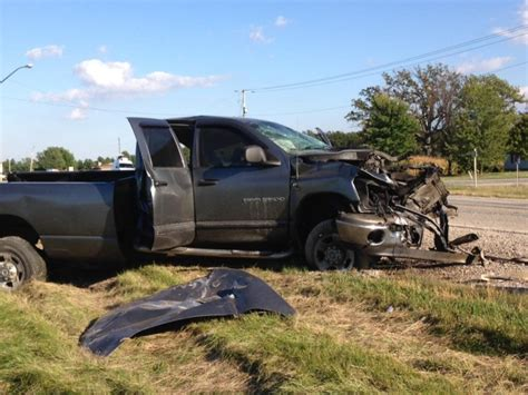 One Dead, One Critical After Lambton County Crash