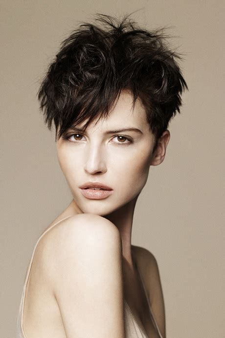 Textured Pixie Hairstyles by Textured Pixie Haircut
