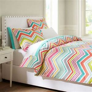 dormitorios juveniles bien decorados With bed covers for teenage girl