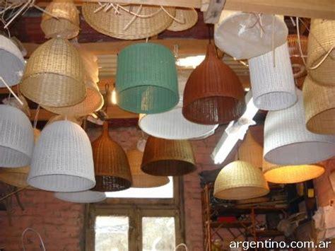 muebles de rattan lamparas puffs juegos de living