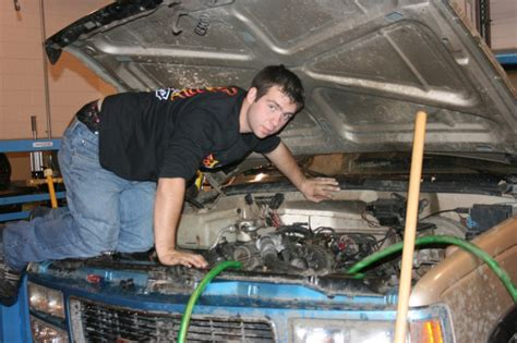 Auto Mechanic Career Information by Automotive Mechanic Career And Technology Education