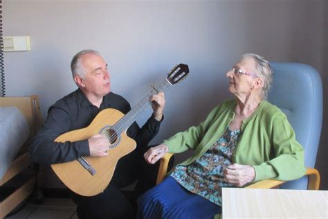 spectacle musical en maison de retraite et ems