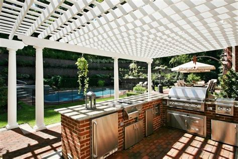 incredible outdoor kitchens     grills