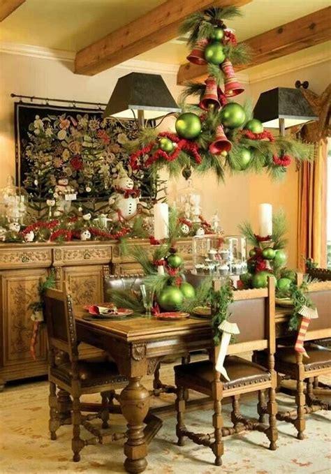 stunning christmas dining room decor ideas digsdigs