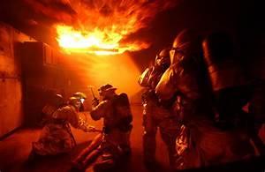 Coole Feuerwehr Hintergrundbilder : file air force fire wikimedia commons ~ Buech-reservation.com Haus und Dekorationen