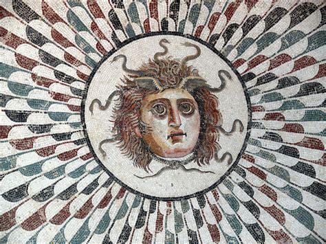 Filesousse Mosaic Gorgon 03 Wikimedia Commons