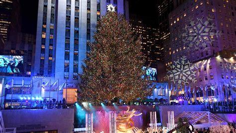 iluminan el 225 rbol de navidad de nueva york en rockefeller