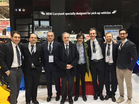 Consolato Italiano In by Il Consolato Italiano In Germania Visita Lo Stand Di Es
