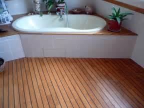 deco salle de bain parquet pont de bateau With pose parquet pont de bateau salle de bain