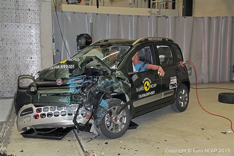 crash test siege auto 0 1 fiat 500 ncap crash test