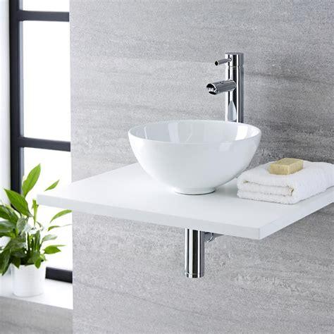 Lavabi D Appoggio In Ceramica Per Il Bagno Lavabo Bagno Da Appoggio Tondo In Ceramica 320x320mm Ashbury