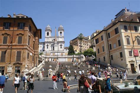 spanische treppe und piazza  spagna rom fuer